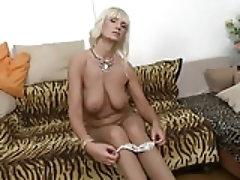 Mature GILF MILF sex bomb mother Roxanna
