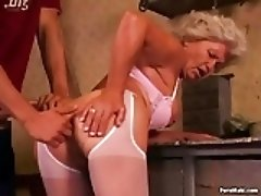 Hot Granny loves Anal