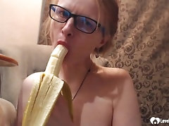 Astonishing stepmom uses a banana on her cunt
