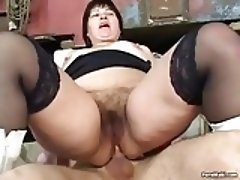 BBW Mature Gets Pissed On