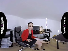 MatureReality VR - Russian Milf gets squeezed|16::Mature,20::MILF,30::POV,38::HD,43::Virtual Reality,2221::European,2241::Reality