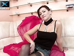 Mature mother suck anf fuck her young boy lover