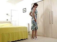 Holly kiss - Striptease Seductress!