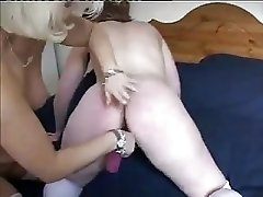 BRITISH MILF JULIE