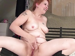 Old bitch squirting playing
