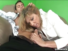 mother And not her daughter Suck A Boner