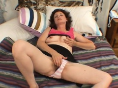 Mature bigtit hairy masturbation